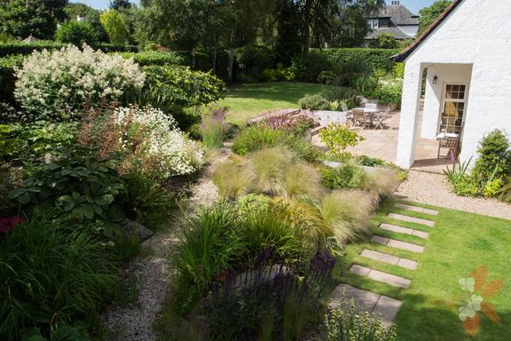 Edinburgh cottage garden scottish garden design for Garden design edinburgh