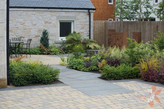 contemporary courtyard design scottish garden design